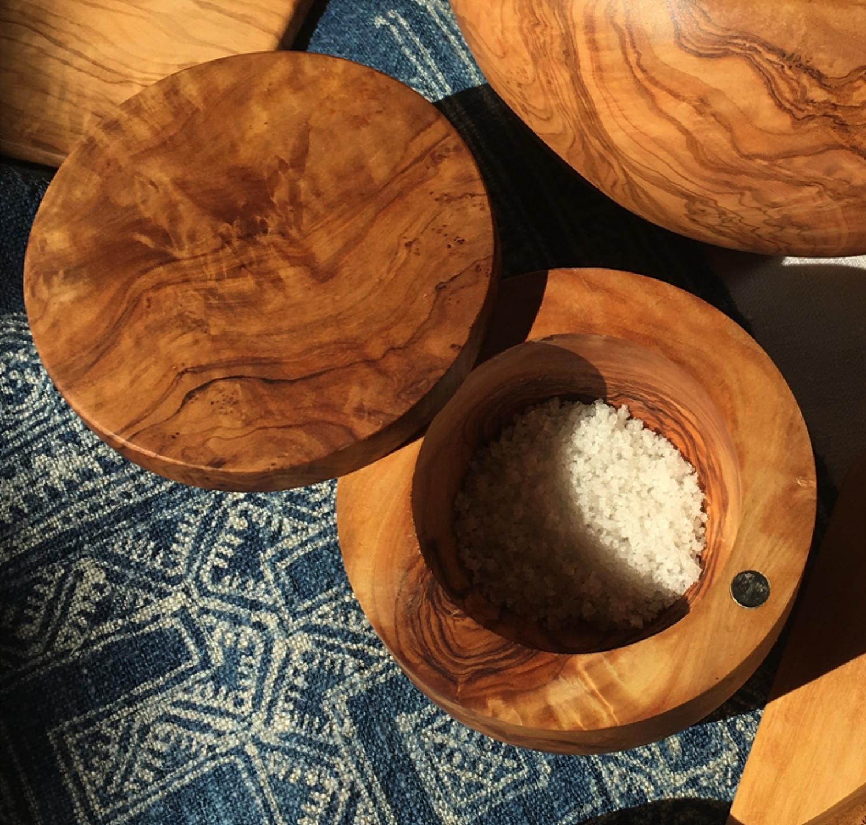 Salt Cellar Berard Olive wood  - Hinged rotating lid