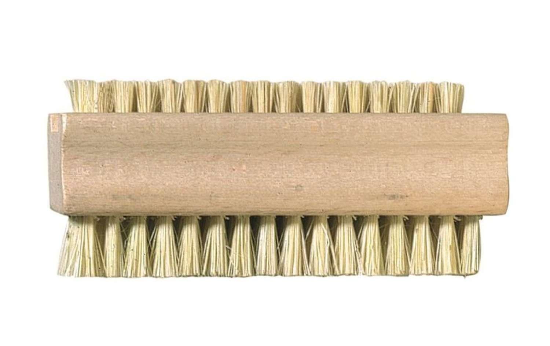 Beech Nail brush with stiff Tampico fibre bristles